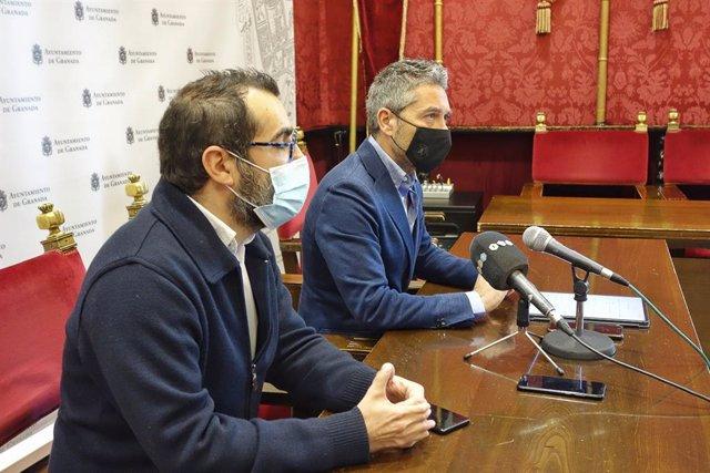 Antonio Tejada y Manuel Olivares, en rueda de prensa