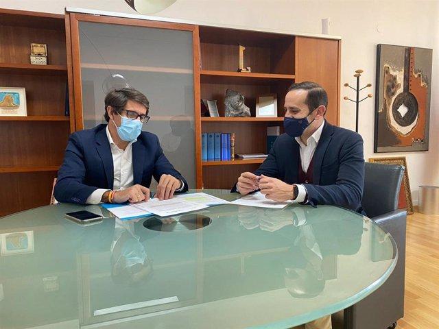 Juan de Dios Navarro abre en Benissa la agenda de reuniones con alcaldes y concejales para detectar necesidades y establecer líneas de colaboración