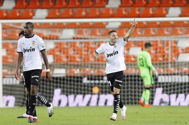 Archivo - Manu Vallejo celebra el 3-2 ante el Levante
