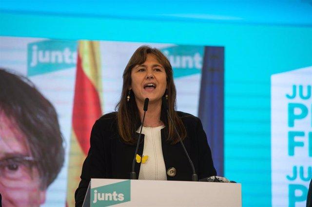 La número 2 de JxCat per Barcelona, Laura Borrás, ofereix una roda de premsa per valorar els resultats obtinguts per la seva formació en els comicis catalans durant la nit electoral del 14-F a la seu del seu partit, a Barcelona, Catalunya (Espanya), a