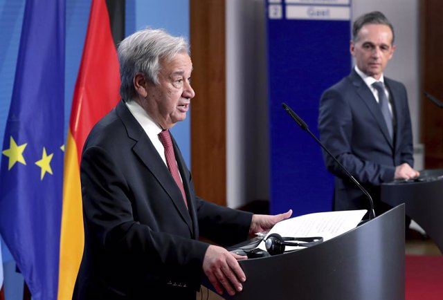 Archivo - 17 December 2020, Georgia, Berlin: UN Secretary-General Antonio Guterres (L) and German Foreign Minister Heiko Maas attend a press conference after their meeting. Photo: Michael Sohn/AP POOL/dpa
