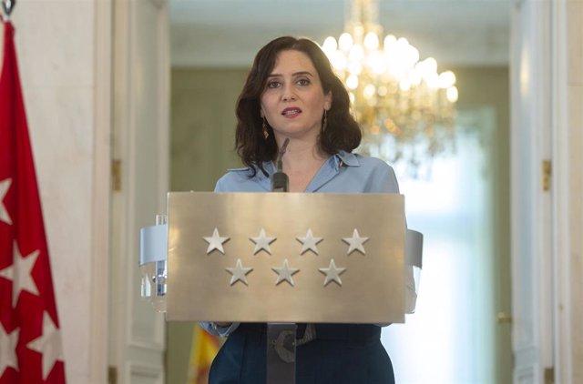 La presidenta de la Comunidad de Madrid, Isabel Díaz Ayuso, comparece en rueda de prensa en la sede regional, tras el anuncio de elecciones para el próximo 4 de mayo, en Madrid (España), a 10 de marzo de 2021.