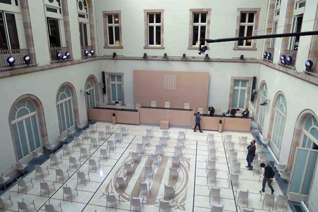 Auditori del Parlament preparat per celebrar el ple de constitució de la XIII legislatura.