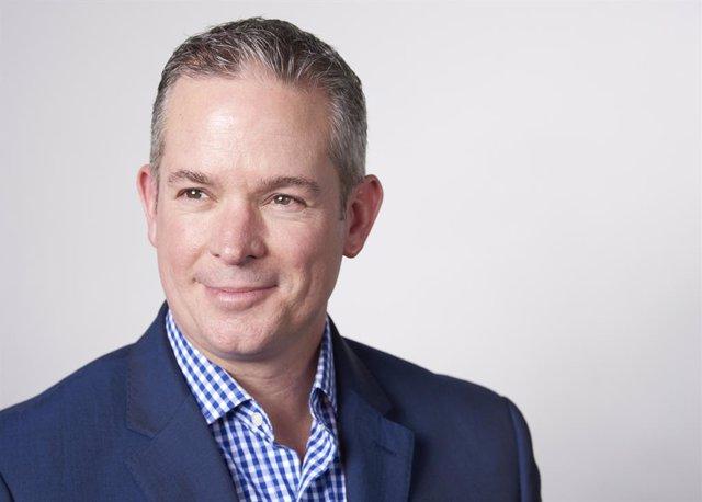 Retrato del CEO de IFS, Darren Roos.