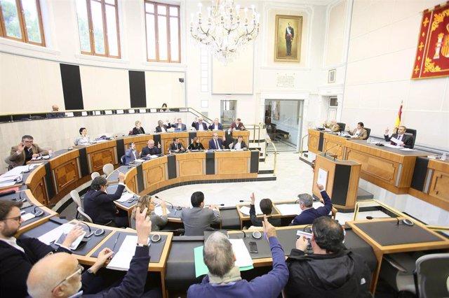 Archivo - Salón de plenos de la Diputación de Alicante, imagen de archivo.