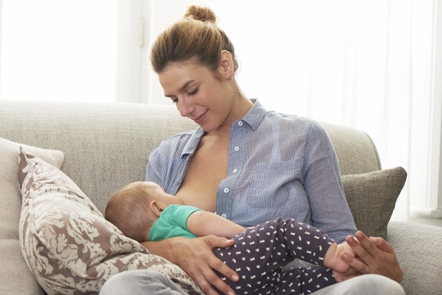 Archivo - Lactancia materna.