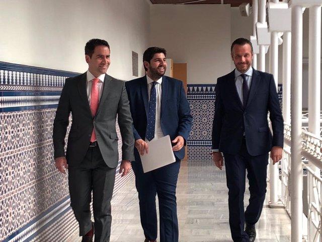 Archivo - Arxiu - El secretari general del PP, Teodoro García Egea, i el president de Múrcia, Fernando López Miras, a l'Assemblea de Múrcia.
