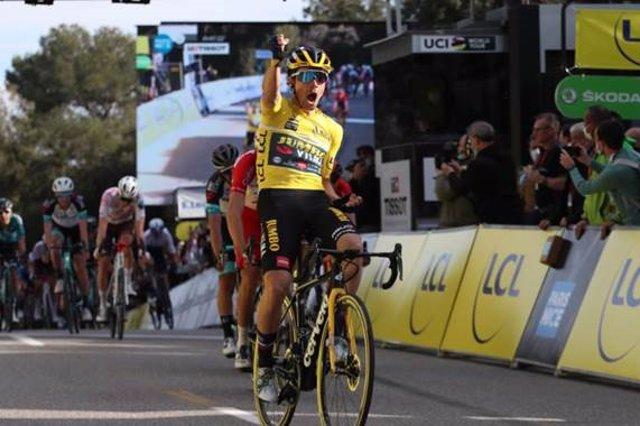 El ciclista esloveno Primoz Roglic (Team Jumbo-Visma) se impone en la sexta etapa de la París-Niza 2021, disputada entre Brignoles y Biot sobre 202,5 kilómetros