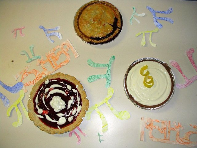 Tartas de celebración del Dí de Pi en el Massachusetts Institute of Technology