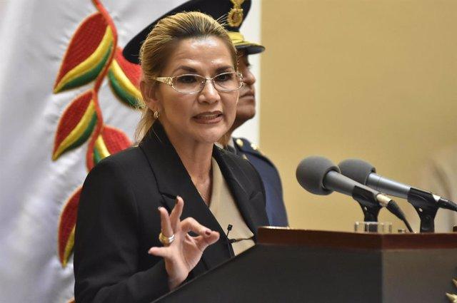 Archivo - La presidenta interina de Bolivia, Jeanine Áñez.