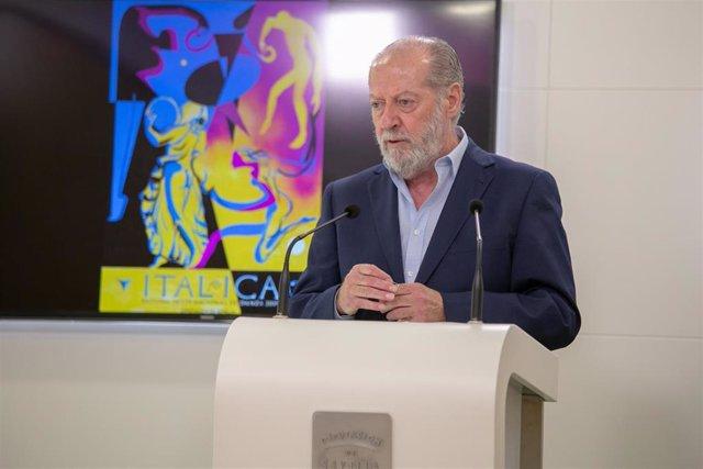 """Archivo - FAMP.- Villalobos estima """"cicatera"""" la subida de la hora del servicio de ayuda a domicilio anunciada por la Junta"""