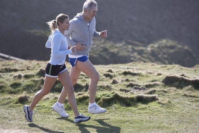 Archivo - Cerca de la mitad de los españoles (el 46 %) practica deporte regularmente o con cierta regularidad, según datos del último Eurobarómetro sobre el deporte y la actividad física2.