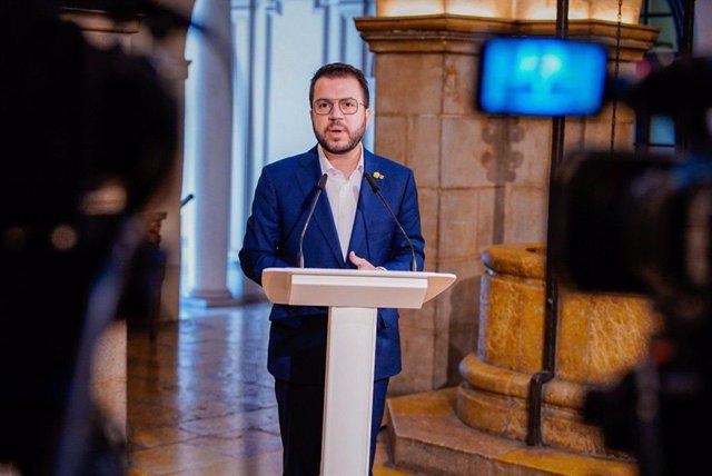 El vicepresident de la Generalitat i candidat d'ERC a la Presidència, Pere Aragonès, en roda de premsa a Lleida.