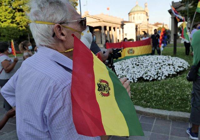 Bolivianos en Italia protestan contra la situación de crisis de su país de origen en agosto de 2020