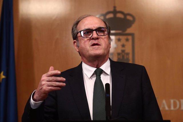 El portavoz del PSOE, Ángel Gabilondo, comparece en rueda de prensa después de una reunión de la Junta de Portavoces de la Asamblea de Madrid tras el anuncio regional de la convocatoria de elecciones, en Madrid (España), a 10 de marzo de 2021.