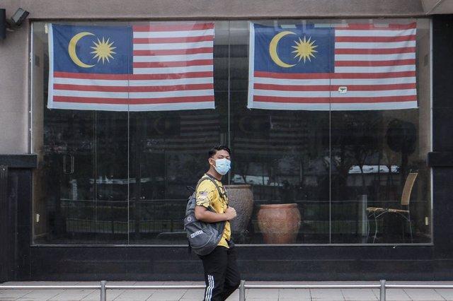Imagen de archivo de banderas de Malasia.