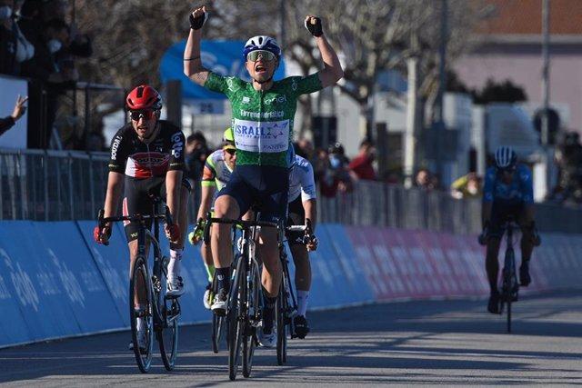 El ciclista danés Mads Würtz Schmidt (Israel Start-Up Nation), ganador de la sexta etapa de la Tirreno-Adriático 2021
