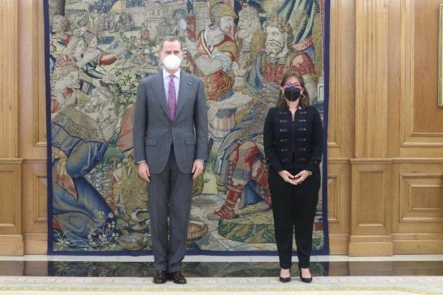 El Rey junto a la Secretaria General Iberoamericana, Rebeca Grynspan