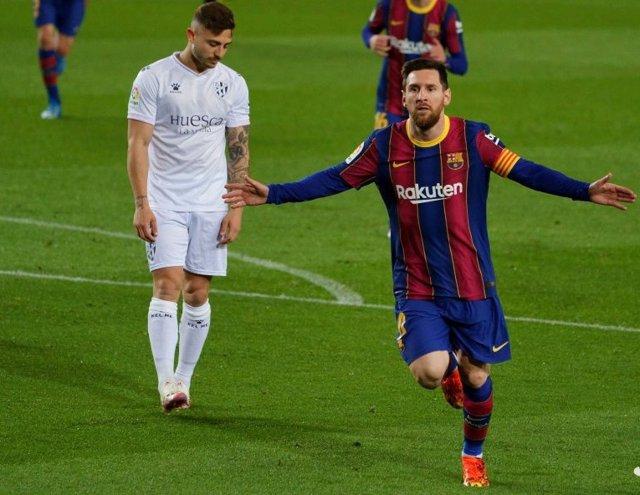 Leo Messi celebra su gol en el FC Barcelona-SD Huesca de LaLiga Santander 2020-2021