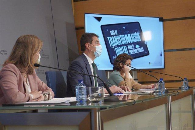 El consejero de la Presidencia, Ángel Ibáñez, durante la presentación del nuevo Decreto de Teletrabajo y la Guía de Transformación Digital para los empleados públicos.