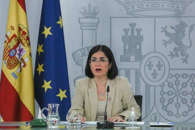 La ministra de Sanidad, Carolina Darias, durante una rueda de prensa sobre el seguimiento de la pandemia por COVID-19, en el Complejo de Moncloa, en Madrid (España), a 15 de marzo de 2021. Esta rueda de prensa ha tenido lugar tras la celebración de urgenc