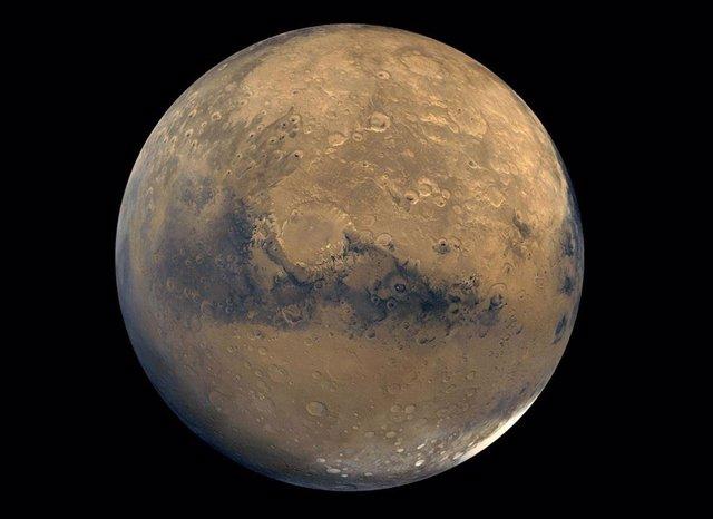 Esta vista global de Marte se compone de unas 100 imágenes de Viking Orbiter.