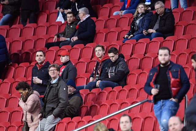 Archivo - AMSTERDAM , 27-02-2020 , JohanCruyff Arena , Season 2019 / 2020 , Europa League match Ajax - Getafe . Fans of Ajax before the game
