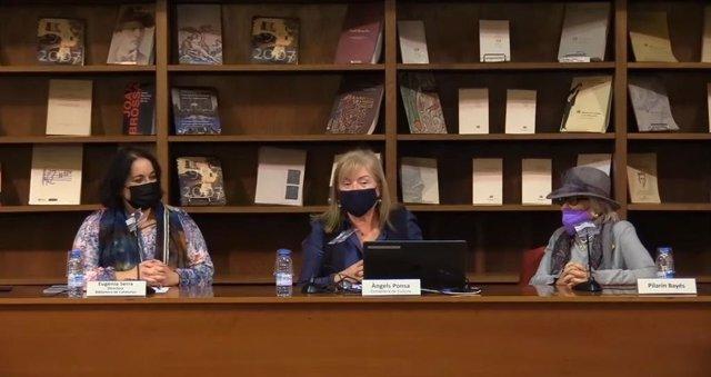 Acto de ingreso de originales de Pilarín Bayés, con la consellera Àngels Ponsa y la directora de la Biblioteca de Catalunya Eugènia Serra