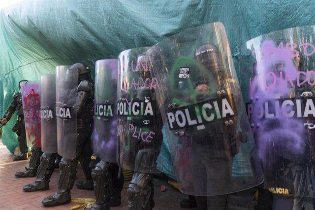 Archivo - Manifestación en Bogotá contra la violencia policial.