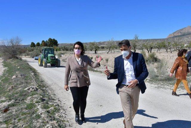 La Junta destina más de 3,5 millones a la mejora de caminos rurales de las comarcas Huéscar y Baza (Granada)