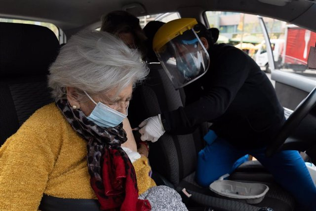 Campaña de vacunación contra el coronavirus en Santiago, Chile