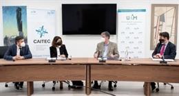 De izquierda a derecha: la doctora Beatriz Pérez, directora médica de Roche Farma España; Javier Ortega García, vicerrector de Innovación, Transferencia y Tecnología de la UAM; y Fidel Rodríguez Batalla, director general de la Fundación de la UAM.