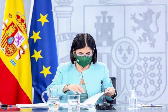 La ministra de Sanidad, Carolina Darias, durante una rueda de prensa tras la reunión del Consejo Interterritorial de Salud, en Madrid (España), a 17 de marzo de 2021. Se trata de la segunda comparecencia de Darias tras la suspensión temporal de la vacunac