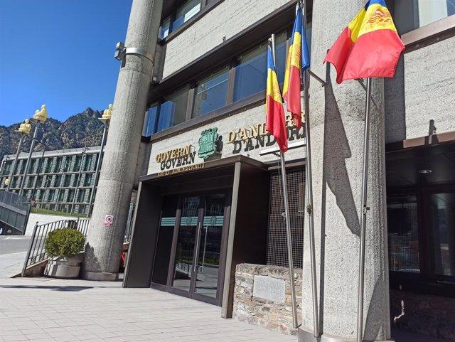 El edificio administrativo del Gobierno de Andorra y el del Consell General