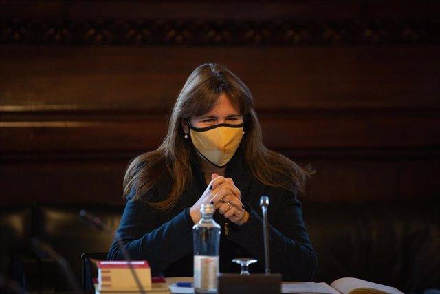 La nueva presidenta del Parlament de Cataluña, Laura Borràs, preside la reunión de la nueva Mesa del Parlament, en Barcelona, Catalunya, (España), a 16 de marzo de 2021. Esta es la primera reunión de la Mesa del Parlament elegida el pasado viernes en la s