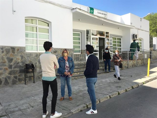 Sevilla.-PSOE insta a la Junta a que reabra centros de salud y urgencias y que restituya servicios de pediatría