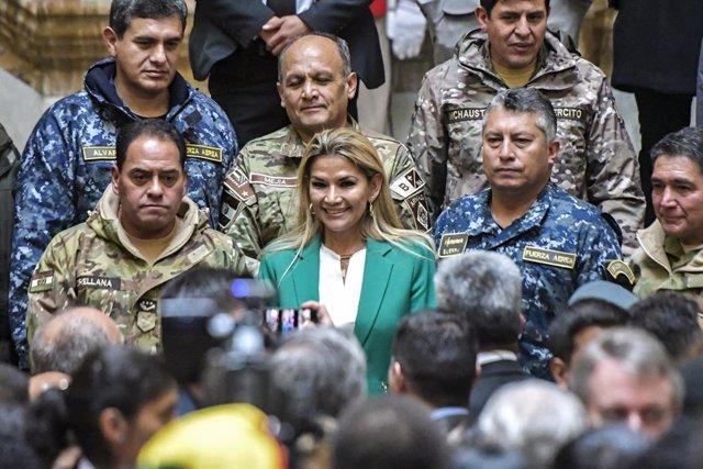 Archivo - La presidenta interina de Bolivia, Jeanine Añez.