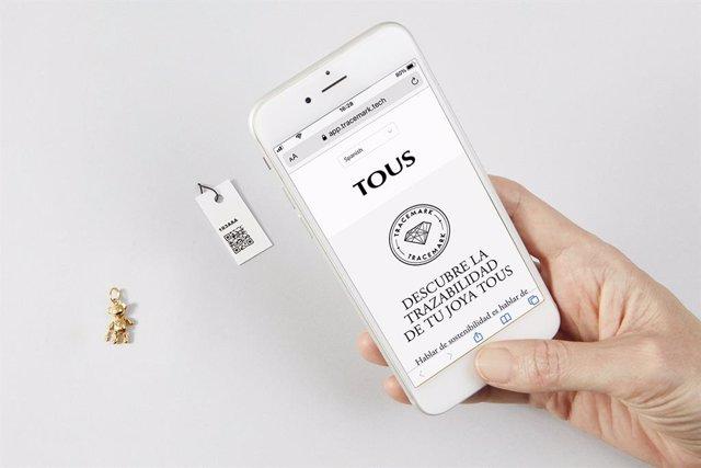 Panell de traçabilitat interactiu de Tous perquè els clients comprovin l'origen de les seves joies