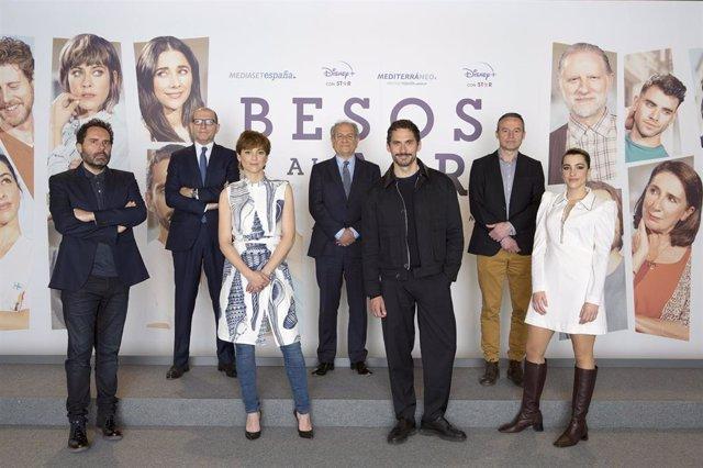 Presentación de Besos al aire, la serie de Mediaset que se estrenará en Disney+