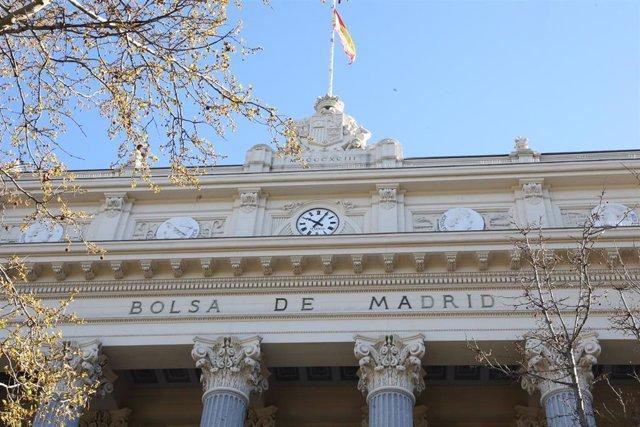 Exterior del Palacio de la Bolsa