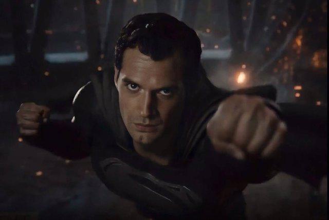 Henry Cavill es Superman en Snyder Cut Liga de la Justicia