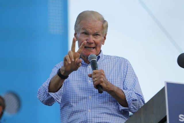 L'exsenador Bill Nelson durant un acte de campanya de Joe Biden.