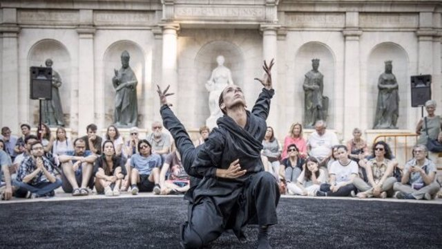Un espectacle del festival de dansa Sismògraf d'Olot (Girona).
