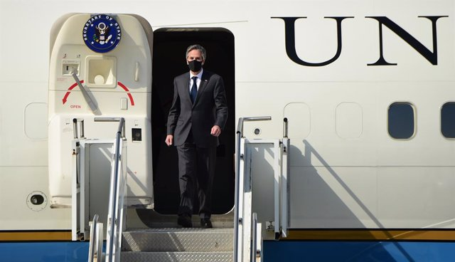 17 March 2021, South Korea, Pyeongtaek: US Secretary of State Antony Blinken arrives at South Korea's Osan Air Base in Pyeongtaek, about 70 kilometres south of Seoul, for a two-day visit for talks with Seoul officials on North Korea and the alliance. Phot
