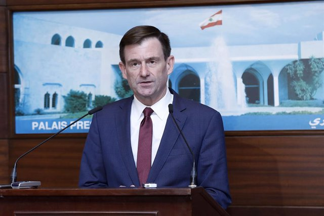 Archivo - HANDOUT - 20 December 2019, Lebanon, Baabda: US Under Secretary of State for Political Affairs David Hale speaks at a press conference after his meeting with Lebanese President Michel Aoun at the Presidential Palace. Photo: -/Dalati & Nohra/dpa