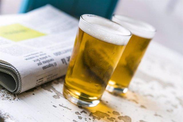 Archivo -    El consumo moderado de cerveza no aumentaría los episodios de reflujo gastroesofágico gaseoso en sujetos sanos, según apunta el estudio 'Influencia de la ingesta de cerveza sobre la fisiología gastroesofágica y síntomas digestivos postprandia