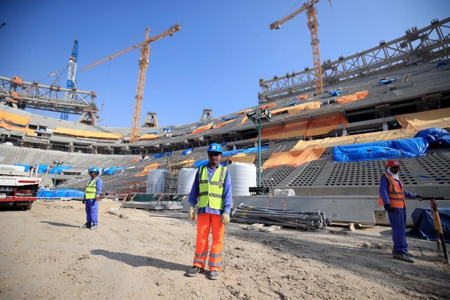 Archivo - 20 December 2019, Qatar, Lusail: A general view of the construction of the Lusail Stadium in Lusail, Qatar. Photo: Adam Davy/PA Wire/dpa