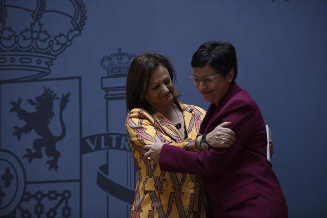 Archivo - (I-D) La nueva secretaria de Estado de Asuntos Exteriores y para Iberoamérica y el Caribe, Cristina Gallach; y la ministra de Asuntos Exteriores, Unión Europea y Cooperación, Arancha González Laya