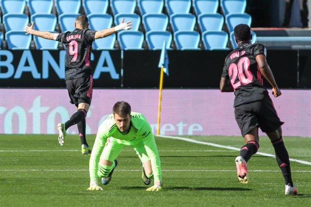 Karim Benzema celebra el 1-0 ante el Celta