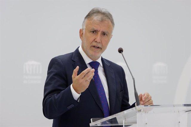 Archivo - El presidente de Canarias, Ángel Víctor Torres
